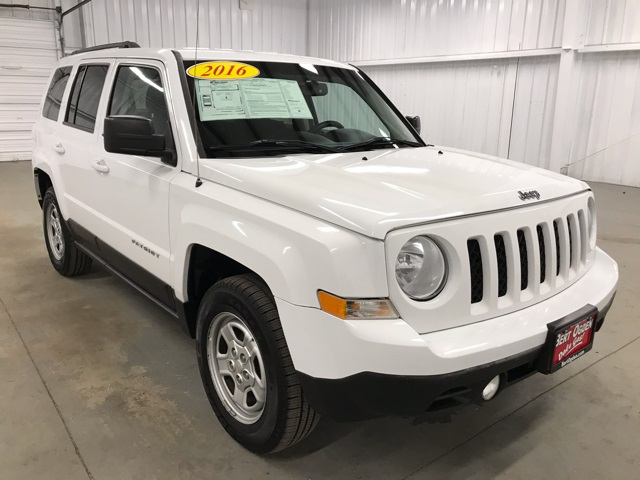 PRE-OWNED 2016 JEEP PATRIOT SPORT 4WD 4D SPORT UTILITY
