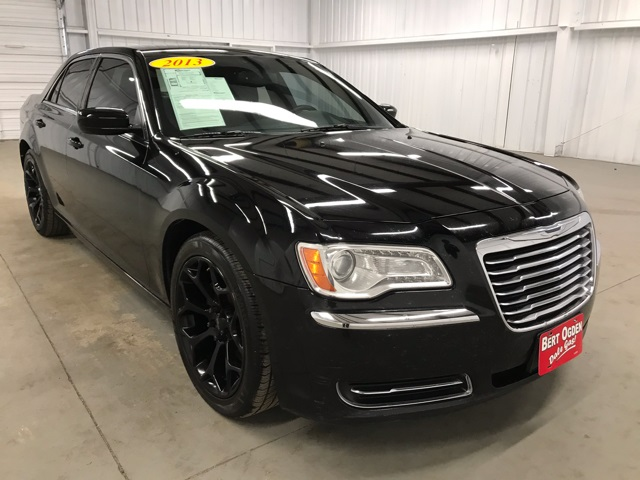 PRE-OWNED 2013 CHRYSLER 300 BASE RWD 4D SEDAN
